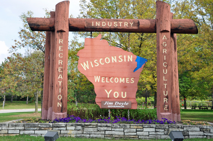 Wisconsin_085-welcome-sign
